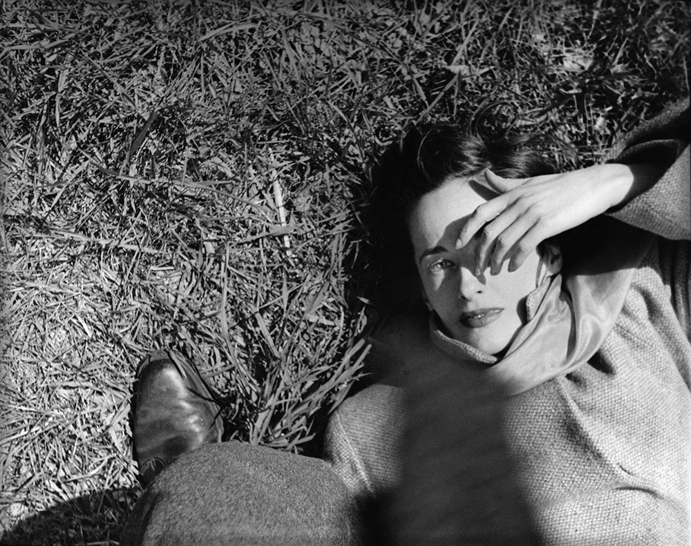 'Girl On Grass', Saul Leiter:Dave Dye.jpg